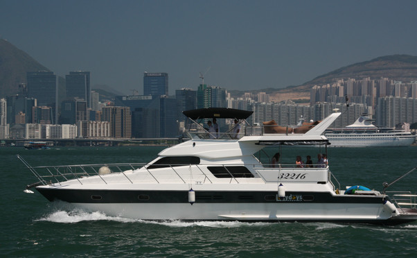Lazydays - Cruise Hong Kong in style photo 3