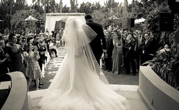 White Bridal Salon photo 2