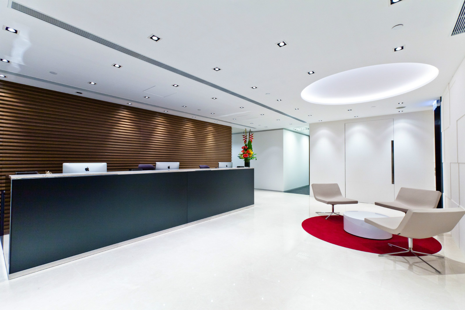 Compass offices in central hong kong localiiz for Bureau reception