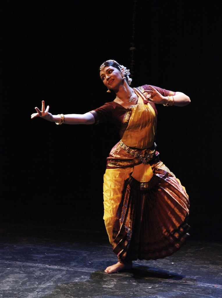 Bharatanatyam indian classical dance classes for kids and adults in