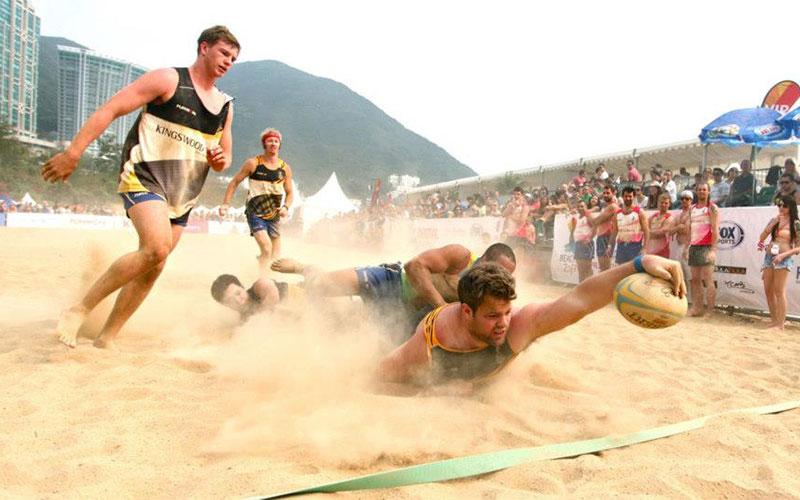 Beach rugby girls